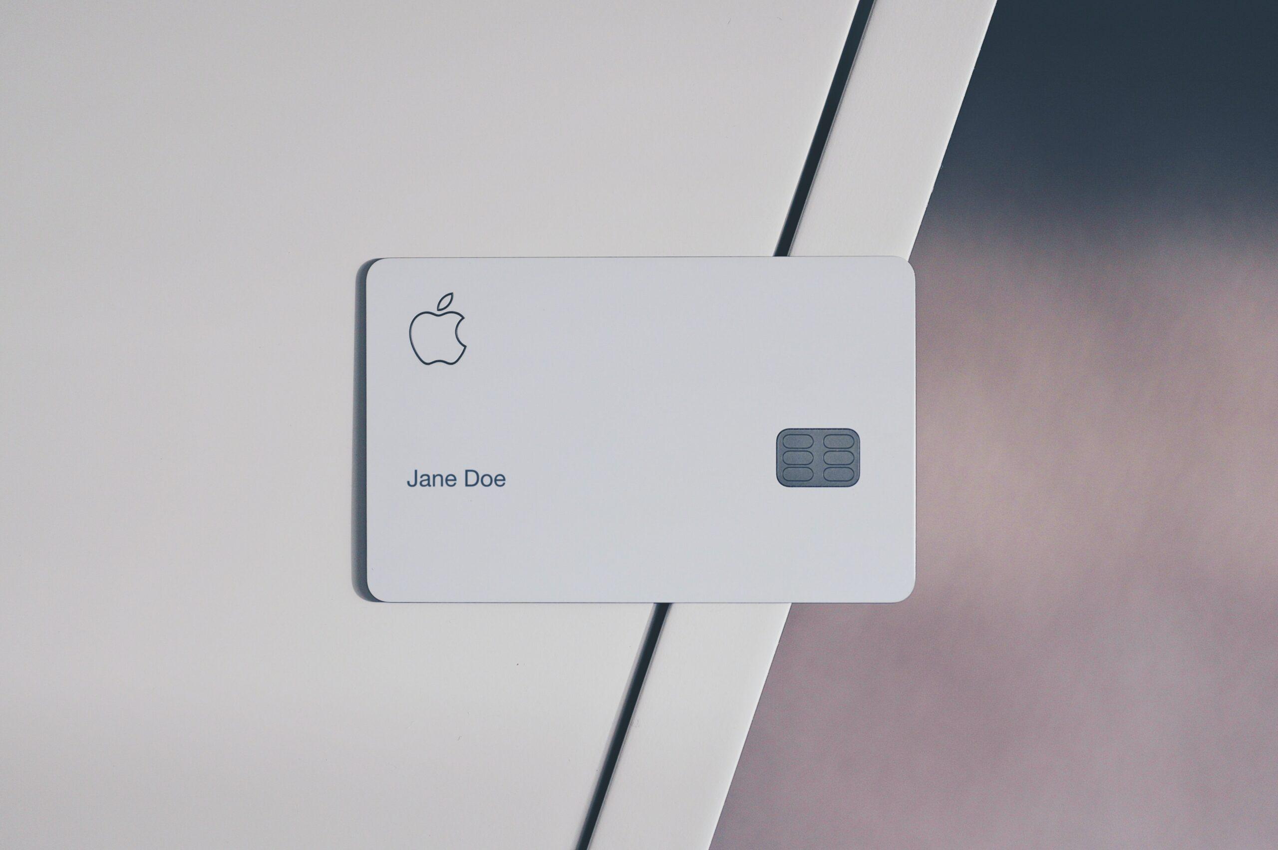 【SECRID】カードが飛び出すコンパクトな革財布